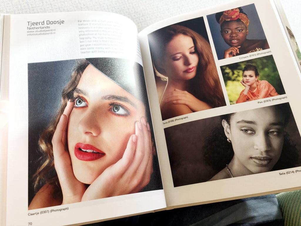 Zo zien de foto's er in het International Art Book uit.