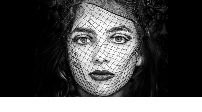"Foto Claartje (0301-bw) ""Mysterious"" finalist fotowedstrijd ViewBug"